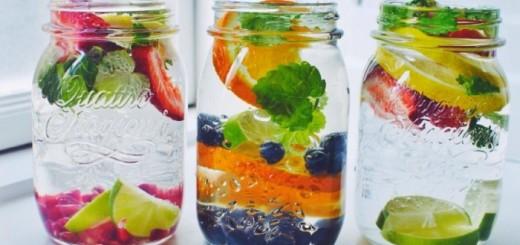 aguas con frutas desintoxicantes