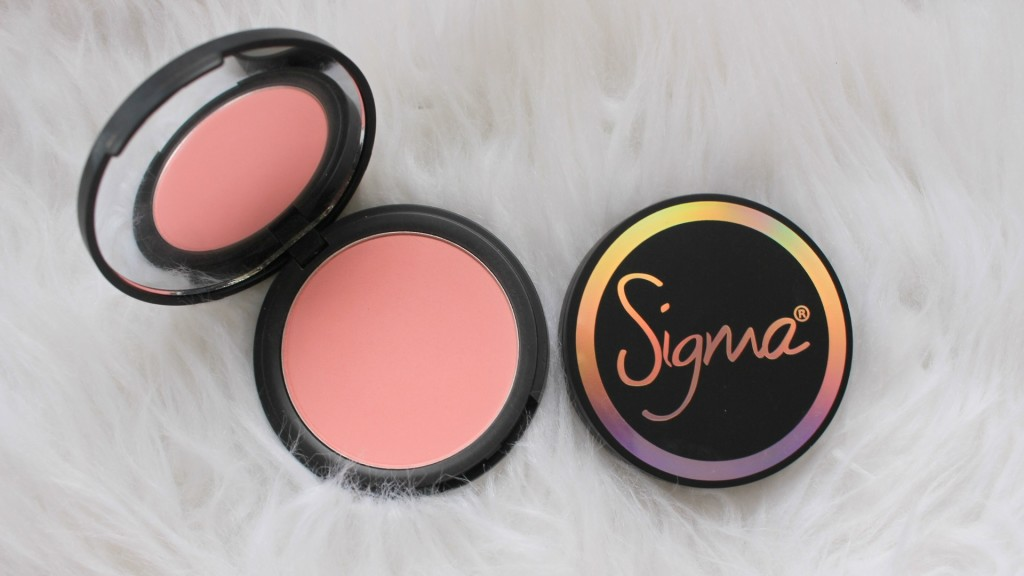 sigma-beauty-nymphaea-aura-powder