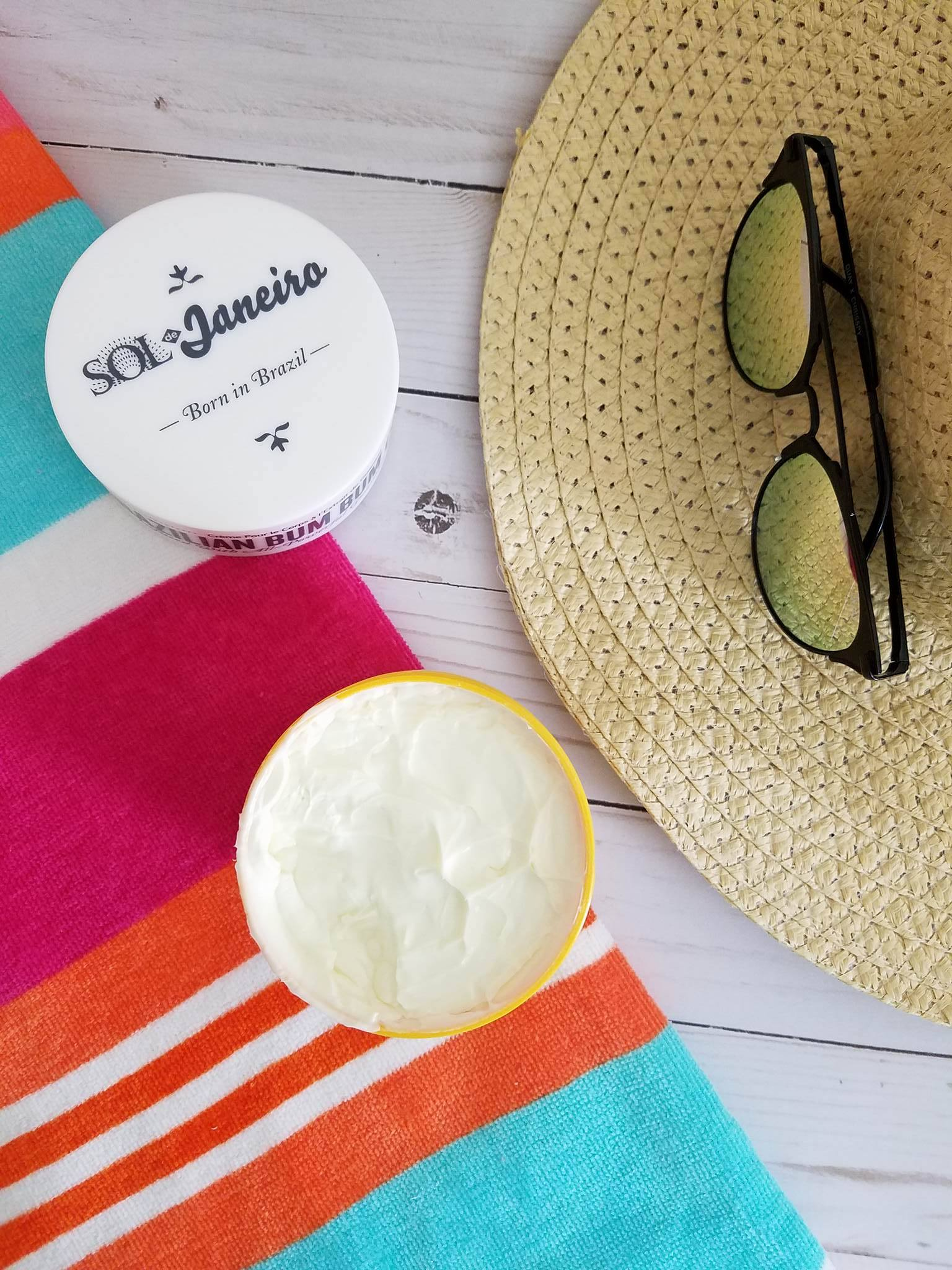 Sol de Janeiro Bum Bum crema corporal con  fragancia tropical reseña blog Alicia Borchardt