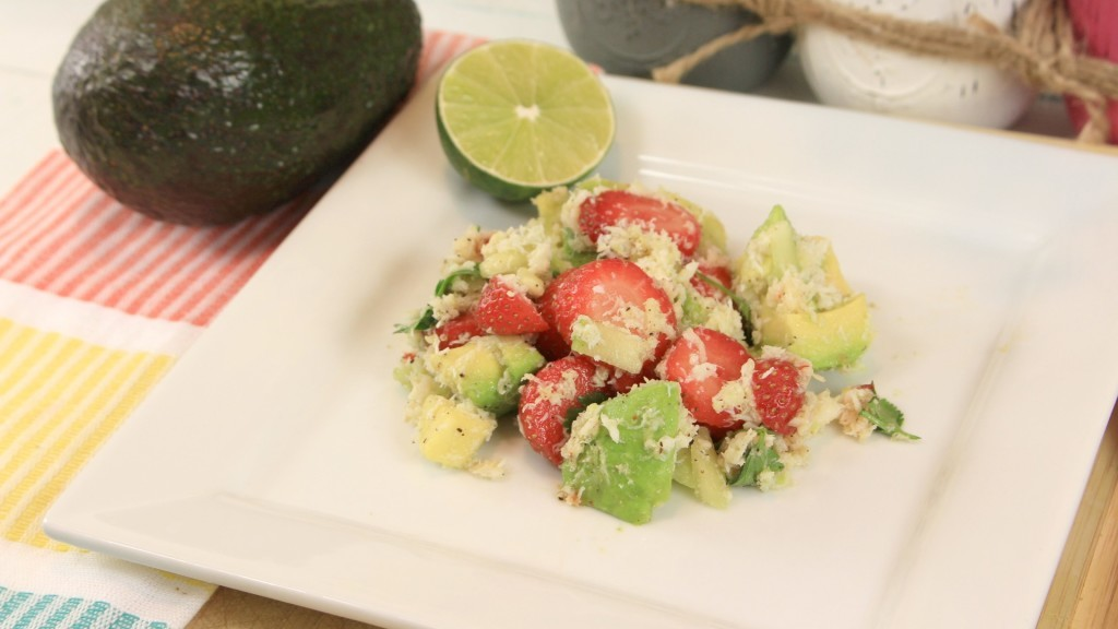 ensalada - saludable-ensalada - cangrejo - aguacates - fresas