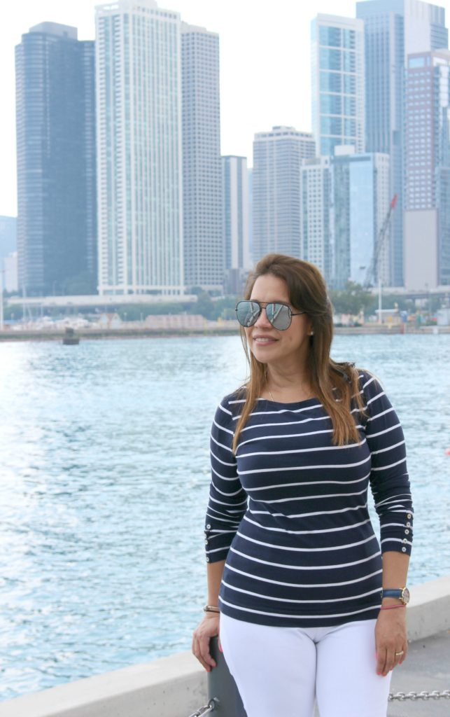 Outfit blanco y azul marino navy pier Chicago